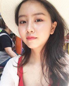 Korean Actresses, Korean Actors, Kim Son, Kim So Hyun Fashion, Hyun Kim, Kim Yoo Jung, Girl Artist, Cute Asian Girls, Korean Beauty