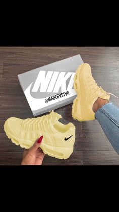 All Nike Shoes, Lit Shoes, Hype Shoes, Vans Shoes, Sneakers Nike, Running Shoes, Cute Nikes, Baskets Nike, Fresh Shoes