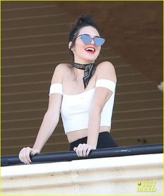 kendall jenner spends the day at the horse races with her family81823