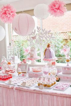 Candy Bar - pom pom and lanterns