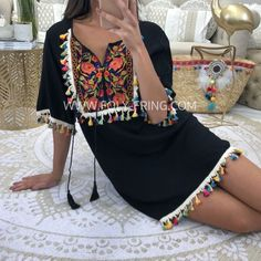 -Robe fluide brodée -Taille normalement Cute Summer Outfits, Casual Outfits, Dress Outfits, Cute Outfits, Fashion Drawing Dresses, Fashion Dresses, Mode Russe, Mexican Fashion, Caftan Dress