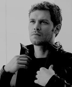 Joseph Morgan as Lancelot MacIntyre Joseph Morgan, Klaus The Originals, Vampire Diaries The Originals, Most Beautiful Man, Gorgeous Men, Klaus And Caroline, Original Vampire, Daniel Gillies, Hot Actors