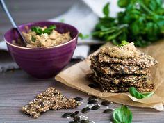 Rukiinen Siemennäkkäri (munaton) on helppo ja terveellinen snack! Voit levittää siemennäkkärin päälle itsetehtyä hummusta! Grains, Rice, Food, Eten, Seeds, Meals, Korn, Diet