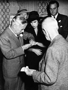 Charlie Chaplin and Oona O'neill wedding day