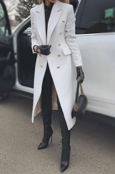 Urban Fold Collar Solid Color Button Long Sleeve Coat Casual outfit for fashion women in winter, warming you but not breaking your vogue. Fashion trend in this winter, do not miss the comfy material. Black Women Fashion, Look Fashion, Trendy Fashion, Fashion Outfits, Womens Fashion, Fashion Trends, Fashion Coat, Vogue Fashion, Fashion Clothes