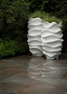 http://www.digsdigs.com/37-modern-planters-to-make-your-outdoors-stylish/