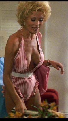 leslie easterbrook nude