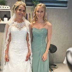 Denne flotte bruden giftet seg forrige helg. Tusen takk for det ærefulle oppdraget, Bente👰🏼❤️🔛 svipe for flere bilder. Frisø Amanda, Wedding Dresses, Gift, Instagram, Fashion, Bride Dresses, Moda, Bridal Gowns, Fashion Styles