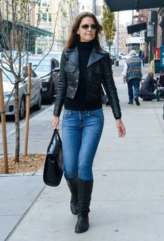 Katie Holmes Photos: Katie Holmes Goes for a Walk