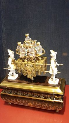 Dresden, Centrepieces, Antique Gold, Statues, Trip Advisor, Jewerly, Medieval, Gifs, Ornaments