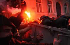 Die Ukraine wird zum Pulverfass. Der Tourismus bricht zusammen. Geschäftsreisen stagnieren. http://www.travelbusiness.at/news/vorsicht-bei-geschaeftsreisen-in-die-ukraine/0018032/