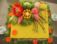 Vegetable Decoration, Food Decoration, Fruit Crafts, Surprise Cake, Creative Food Art, Food Carving, Indonesian Cuisine, Carving Designs, Logo Food
