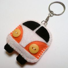 Camper Van Felt Keyring by DevonlyCrafts on Etsy Fabric Crafts, Sewing Crafts, Sewing Projects, Felt Keyring, Keychains, Felt Gifts, Felt Decorations, Felt Patterns, Felt Fabric