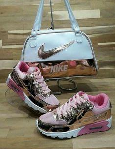 Nike Air Max, Nike Air Shoes, Moda Sneakers, Cute Sneakers, Jordan Shoes Girls, Girls Shoes, Sandro, Tenis Nike Air, Cute Nikes