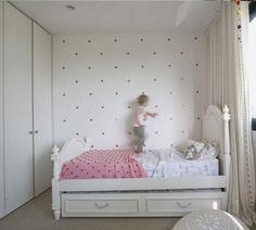 Build House Home: Miss J's room gets a polka dot update