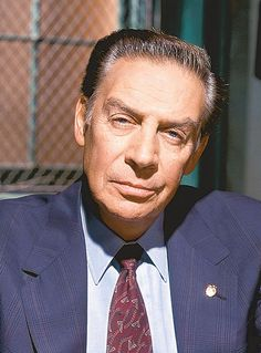 Tony Award winning actor/TV & film actor Jerry Orbach was born today in He played Detective Lennie Briscoe on the long-running NBC crime drama series Law & Order. Orbach passed in Tv Detectives, Jerry Orbach, Chris Noth, People Of Interest, Favorite Celebrities, Law, Special Victims Unit, Celebrities, Law And Order Svu