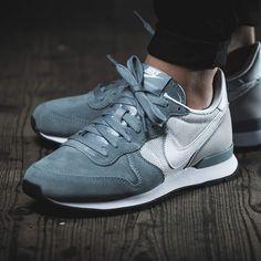Nike WMNS Internationalist Suede (grau) // 43einhalb Sneaker Store
