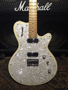 Bass Amps, Guitar Design, Electric Guitars, Radiators, Music Instruments, Stuff To Buy, Ebay, Radiant Heaters, Musical Instruments