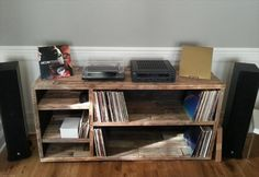 salvaged pallet media console table