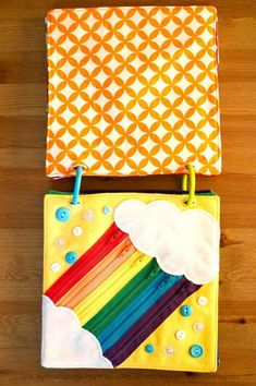 Rainbow Quiet Book 2 Lovely Rainbow page using zips as a skill. Quiet Book 2 by Today I Felt Crafty Diy Quiet Books, Baby Quiet Book, Felt Quiet Books, Baby Crafts, Felt Crafts, Silent Book, Rainbow Pages, Sensory Book, Baby Sensory