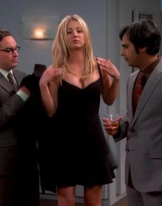 There is 1 tip to buy dress, black, big bang theory, kaley cuoco, black dress. Beautiful Celebrities, Beautiful Actresses, Beautiful Women, Tbbt, Big Bang Theory Actress, Kaley Cuoco Body, Big Bang Theory Penny, Blond, Kaley Couco