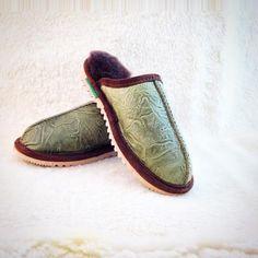 Handmade Sheepskin Slippers, Boots, Hats and Sheepskin Slippers, Coats, Rugs, Handmade, Shoes, Fashion, Farmhouse Rugs, Moda, Wraps