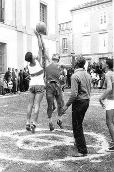 Baloncesto en #TapiadeCasariego a mediados de siglo XX