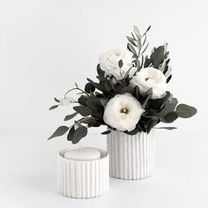 32 Diy Stunning Ideas Rustic Flower Vase Budget, It is possible to celebrate your wedding and decorate the area in various ways. If it is a day wedding, think about using squash in your centerpiece t. Diy Simple, Easy Diy, Diy Mothers Day Gifts, Diy Gifts, Diy Flowers, Flower Vases, Diy Furniture Tutorials, Fleurs Diy, Gifts Under 10