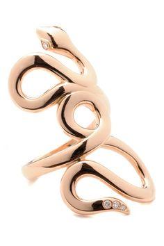Repossi Anillo Serpiente de oro rosa con diamantes.
