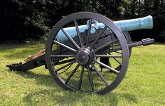 A very Rare Ames manufactured Heavy 12-pounder Field Howitzer used by Confederate Forces, and captured from them in 1863. Both the Union and the Confederate Army used these Big Guns during the Civil War.
