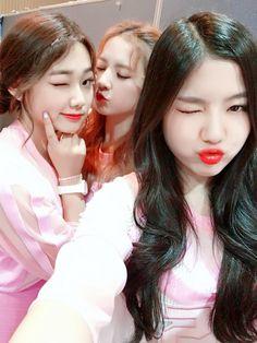 Mina, Sally, and Hyeyeon ❤️ South Korean Girls, Korean Girl Groups, Jin, Jellyfish Entertainment, Simple Blog, Korean Wave, Sistar, Seolhyun, Pretty Photos