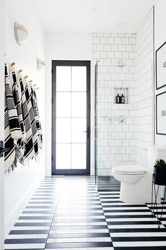 31 Interesting Black And White Bathroom Design Ideas. If you are looking for Black And White Bathroom Design Ideas, You come to the right place. Below are the Black And White Bathroom Design Ideas. Pool Bathroom, Steam Showers Bathroom, Bathroom Flooring, Bathroom Ideas, Bathroom Renovations, Small Bathroom, Glass Showers, Bathroom Goals, Bathroom Organization