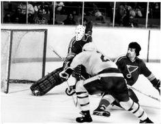 Toronto Maple Leaf Rick Vaive scores his 50th goal against St. Louis in 1982. (Frank Lennon)