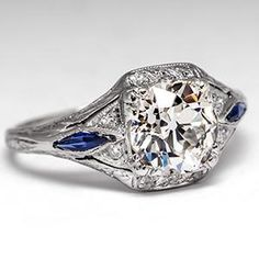 1920's Antique Engagement Ring in Platinum