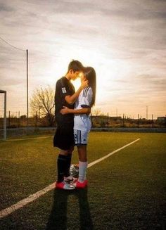 Resultado de imagen para boyfriend and girlfriend soccer goals