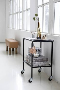 Housedoctor Trolley/serveerkar 'Lab' metaal/glas mat zwart 73x45x90 cm -