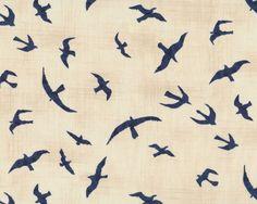 Patchworkstoff+MORE+HEARTY+GOOD+WISHES,+Vogel-Flug,+helles+beige-gedecktes+blau