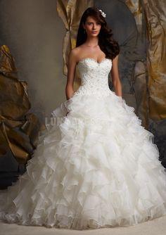 Glamorous Organza Ball Gown Sweetheart Dropped Waist Sleeveless Wedding Dress