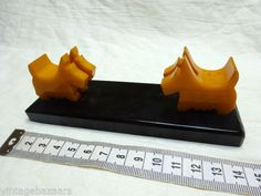 VINTAGE-SCOTTIE-Dog-BAKELITE-ART-DECO-Picture-Holder-no-glass-Very-RARE-Dogs