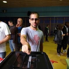 He votat! #freedom #libertad #llibertat #expression #expressio #expresion #lesurnesnocallaran #lasurnasnocallaran #thepollswontshutup #si #yes #maresme #mataro #lliure #tropical #history #now #catalonia #catalunya #cataluña #peace #pau #paz #1octubre