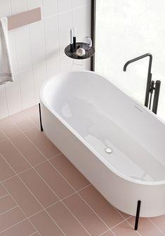 bath tub m a g I c and pastel p i n k! bathroom design by @tolkointeriors #interiordesign #interiordecoration #bathroombliss #pastelpink #blackhardware #blackdetails #fresh #airy #inspiration #lowernorthshoreinteriordesigners #woodsandwarner