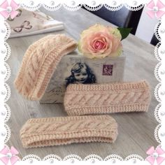 Pannebånd med oppskrift ❤️ - Lilly is Love Diy And Crafts, Arts And Crafts, Baby Barn, Knitted Hats Kids, Headbands For Women, Women's Headbands, Knitted Headband, Kids And Parenting, Knitting Patterns
