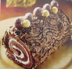 Φανταστικός σοκολατένιος κορμόs!   Sokolatomania.gr Cake Roll Recipes, My Recipes, Sweet Recipes, Cookie Recipes, Dessert Recipes, Christmas Sweets, Christmas Cooking, Food Network Recipes, Food Processor Recipes