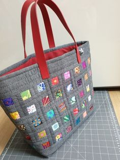 Quilt Patterns, Diaper Bag, Patches, Quilts, Tote Bag, Bags, Decorated Cookies, Embroidered Bag, Japanese Language