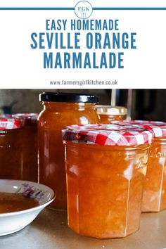Make Easy Seville Orange Marmalade with this quick and easy recipe. Even if you have never made jam or marmalade before you can enjoy the fresh zingy taste of homemade marmalade Chutney Recipes, Jam Recipes, Easy Dinner Recipes, Sweet Recipes, Citrus Recipes, Jelly Recipes, Drink Recipes, Delicious Recipes, Tasty