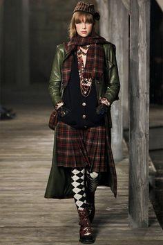 Paris-Edimbourg : la collection des métiers d'art de Chanel 2013