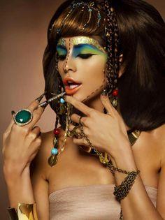 & will not be triumphed over- ELizabeth Taylor& Cleopatra& Photogr. Egyptian Eye Makeup, Egypt Makeup, Tribal Makeup, Beauty Makeup, Hair Makeup, Makeup Art, Eyeliner, Performance Makeup, Magical Makeup
