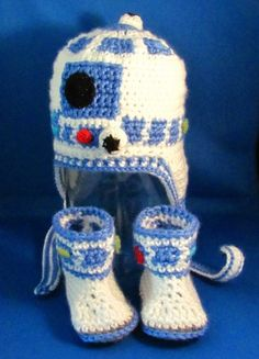 R2D2 Set for Baby / Crocheted Star Wars Earflap Hat & Booties - Custom | HatsandSpats - Children's on ArtFire