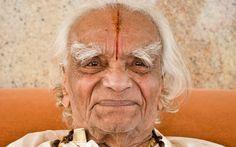 BKS Iyengar: ο μεγάλος δάσκαλος της γιόγκα - Η ΔΙΑΔΡΟΜΗ ®