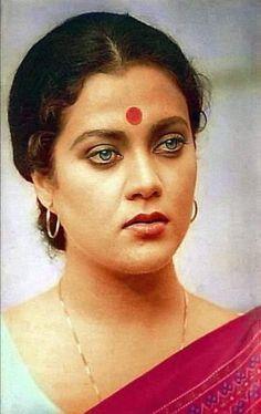 Hindi Actress, Old Actress, Actress Photos, Bollywood Actress, Indian Natural Beauty, Vintage Bollywood, Girl Sketch, New Star, Bollywood Stars